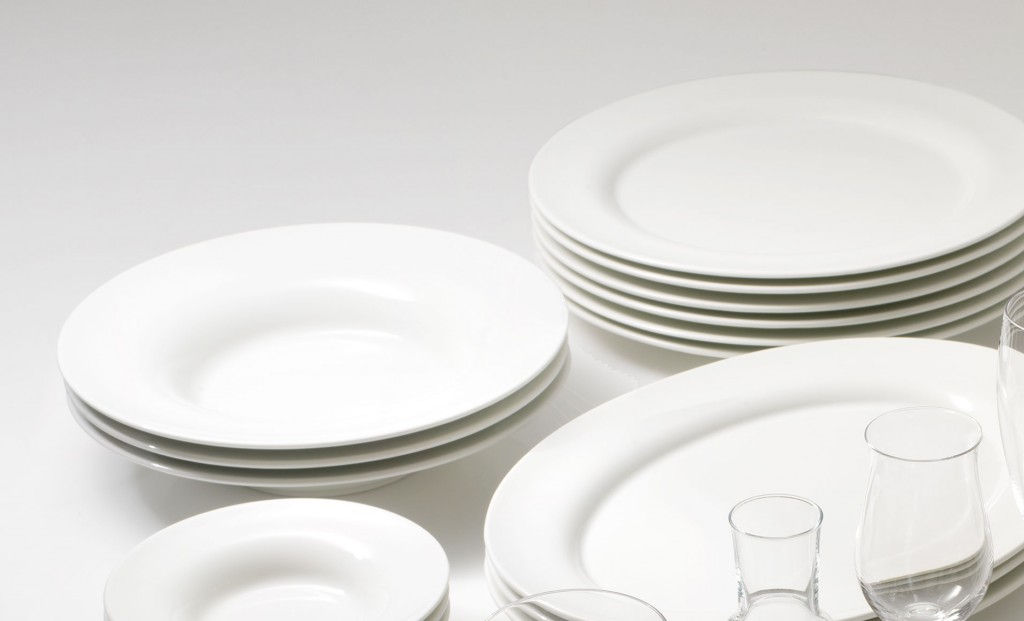 plates and glasses for outdoor catering