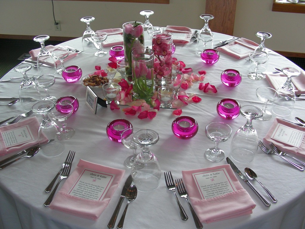 table decorating for outdoor party